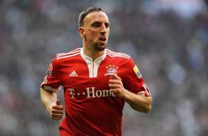 En pleine tourmente, regardez Franck Ribéry perdre ses nerfs et se faire exclure de la Ligue des Champions !