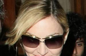 Madonna : Surprise en pleine rue, au bras d'un adolescent !
