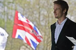 Jenson Button : Le champion du monde de F1 2009 et leader du championnat 2010 honoré en Angleterre !