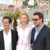 Cate Blanchett, la ''fiancée'' de nacre de Russell Crowe, illumine la Croisette !