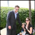 Russell Crowe avec sa femme et l'un de ses enfants lors du photocall de Robin  des Bois le 12 mai 2010 pendant le festival de Cannes