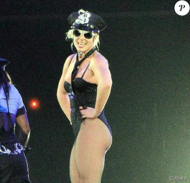 Britney Spears travaille sur son septième album studio, attendu comme urbain et proche des musiques alternatives.