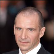 Ce chanceux de Ralph Fiennes collectionne... les James Bond girls !