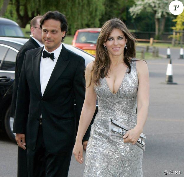 Le 20 mai 2010, le Butterfly Ball, donné à Londres au profit de l'association Cauldwell Children, a pu compter sur le soutien de nombreuses personnalités, dont Elizabeth Hurley et son mari Arun Nayar