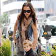 Jessica Alba et sa fille Honor en pleine séance shopping à Los Angeles. Le 2 juin 2010
