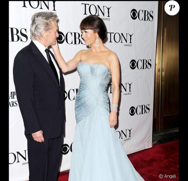 Michael Douglas et Catherine Zeta-Jones lors des Tony Awards le 13 juin 2010 à New York