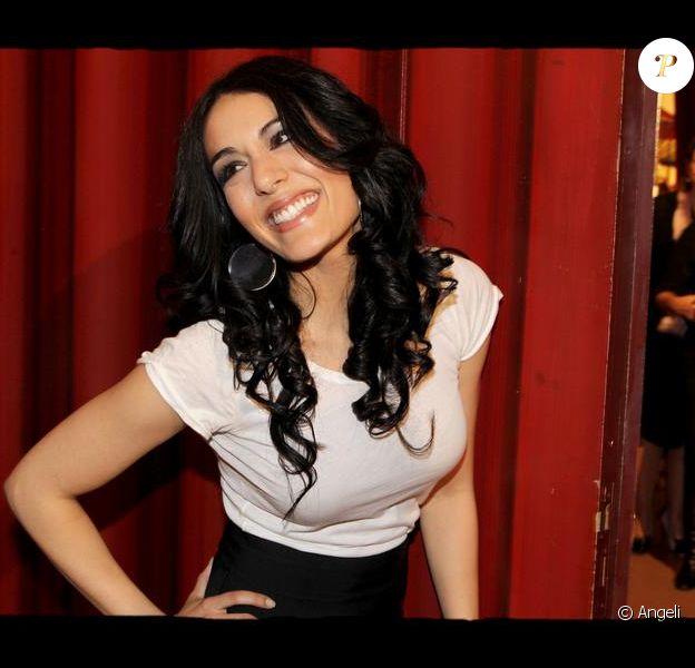 La chanteuse et comédienne Sofia Essaïdi