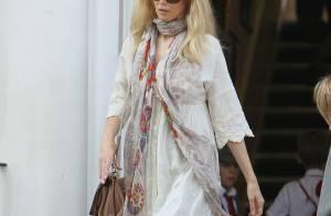 Claudia Schiffer : Découvrez-la avec sa petite Cosima lors d'une tendre balade !