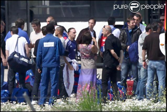 L'arrivée des Bleus à l'aéroport du Bourget, le 24 juin 2010.
