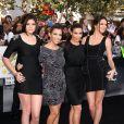 Kylie Jenner, Kourtney et Kim Kardashian et Kendall Jenner, lors de l'avant-première de Twilight 3 : Hésitation à Los Angeles le 24 juin 2010