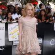Dakota Fanning dans une robe Elie Saab lors de l'avant-première de Twilight 3 : Hésitation à Los Angeles le 24 juin 2010