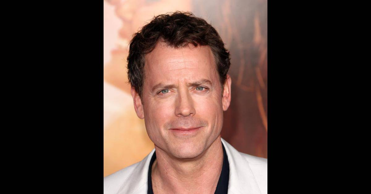 kinnear hindu single men Gregory buck greg kinnear (born june 17, 1963) is an american actor and television personality other films are mystery men.