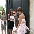 Jessica Alba lors de son arrivée au défilé Dior Haute Couture le 5 juillet 2010 à Paris