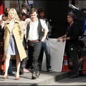 Gossip Girl : Le beau gosse Ed Westwick charme la belle Clémence Poésy à Paris...