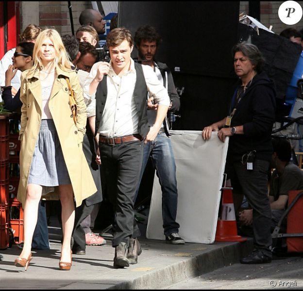 Ed Westwick et Clémence Poésy sur le tournage de Gossip Girl à Paris dans le XII e arrondissement de Paris