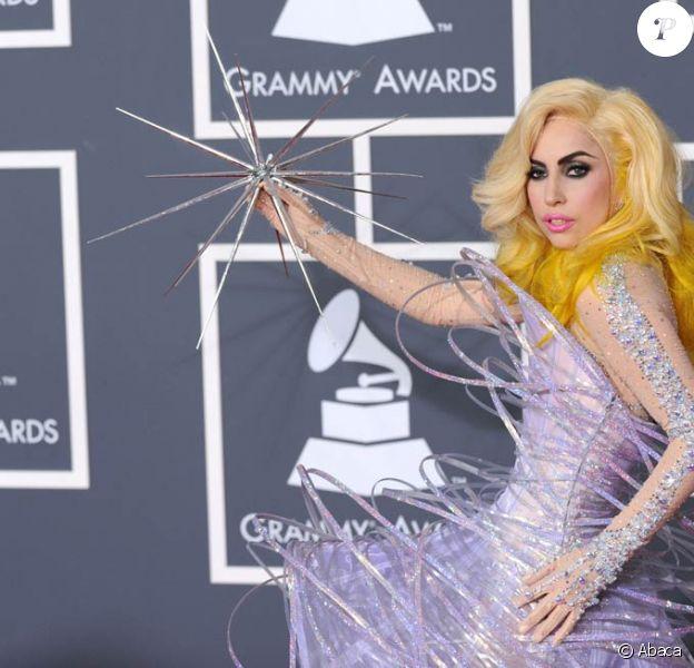 Lady Gaga (photo : lors de la cérémonie des Grammy Awards 2010) exerce une influence hors norme sur l'industrie musicale...