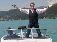 David Hasselhoff vole de ses propres ailes et nous offre un véritable show !