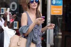Alessandra Ambrosio : Le top model nous fait toujours succomber... Même au naturel !