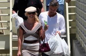 Britney Spears : Un sourire bright, une robe de grand couturier... mais pas de classe du tout !