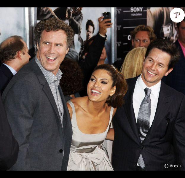 Will Ferrell, Eva Mendes et Mark Wahlberg lors de la première mondiale de Very Bad Cops  (The Other Guys) au Ziegfeld Theatre à New York, le 2 août 2010