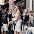 Eva Mendes sortant de son hôtel new-yorkais, le 2 août 2010
