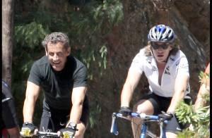 Quand Nicolas Sarkozy fait du sport avec son fils, Jacques Chirac joue les stars... coquines !