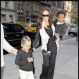 Angelina Jolie et deux de ses enfants Zahara et Maddox