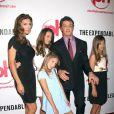 Jennifer Flavin, Sylvester Stallone et leurs filles Scarlett, Sophia et Sistine lors de l'avant-première de The Expendables à Las Vegas le 11 août 2010