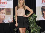 Jennifer Aniston : un look sobre mais impeccable face à une Juliette Lewis très rock'n'roll !