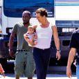 """Matthew McConaughey en famille à Los Angeles, le 17 août 2010"""