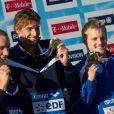 Camille Lacourt et Jeremy Stravius sur le podium du 100m dos.