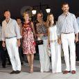 Le 24 août 2010, l'île de Spetses a vu débarquer le cortège royal invité aux noces de Nikolaos de Grèce et Tatiana Blatnik, et une soirée de répétition a eu lieu à l'Hôtel Poséidon.