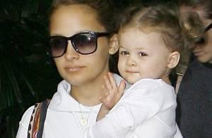 Harlow Madden : Regardez la fille de Nicole Richie soutenir à fond son papa Joel Madden !