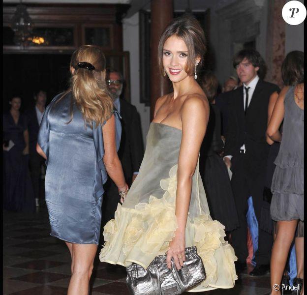Jessica Alba, divine, à l'occasion de la soirée l'Uomo Vogue, dans le cadre de la 67e Mostra de Venise, le 31 août 2010.