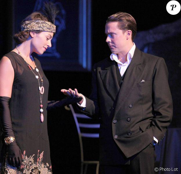 Noémie Elbaz et Davy Sardou dans Léocadia au Théâtre 14