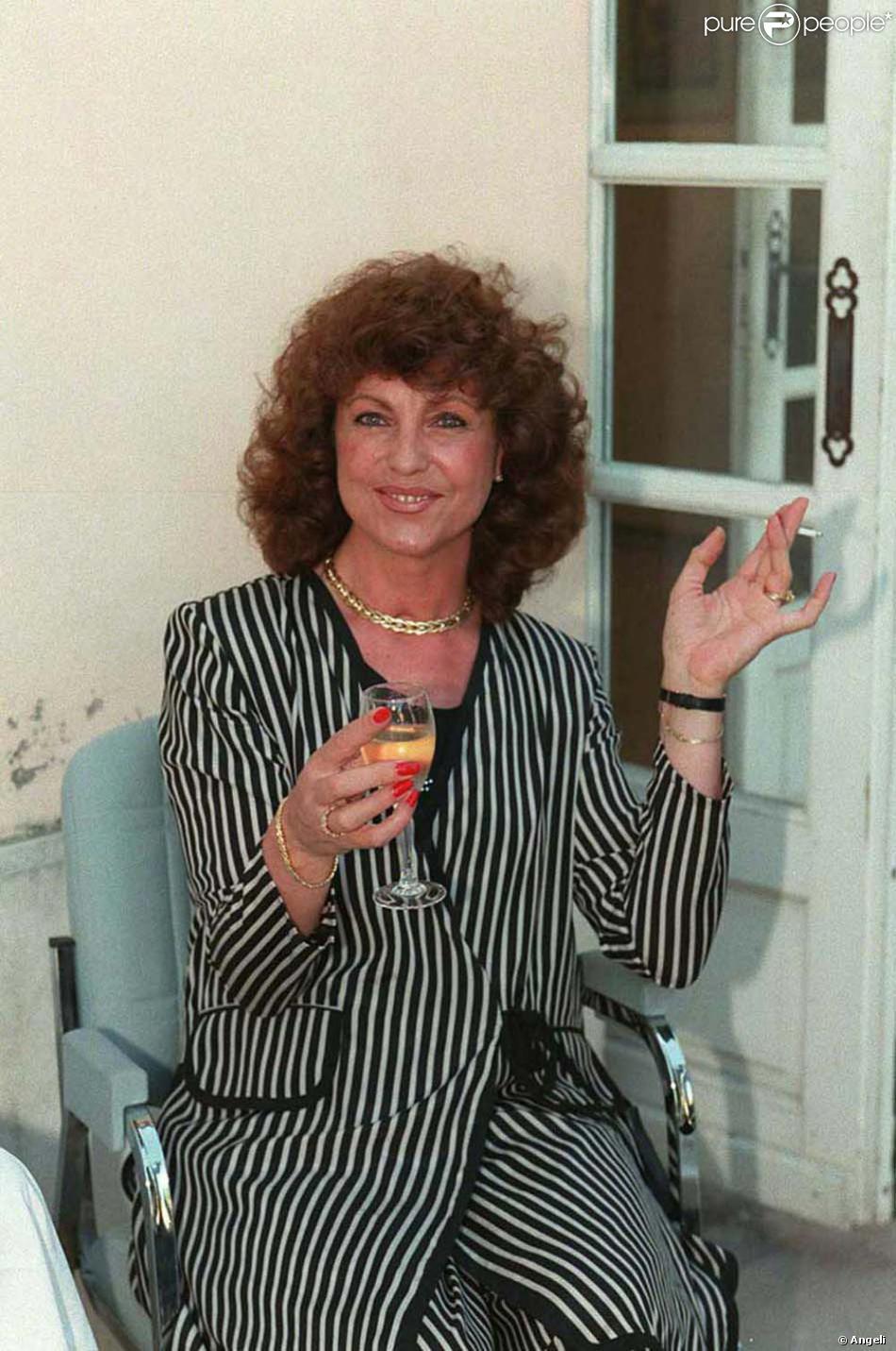 Chantal Nobel En Juillet 1996 Purepeople