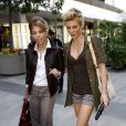 AnneLynne McCord et sa soeur Angel en virée shopping, à Los Angeles, le 24 novembre 2010