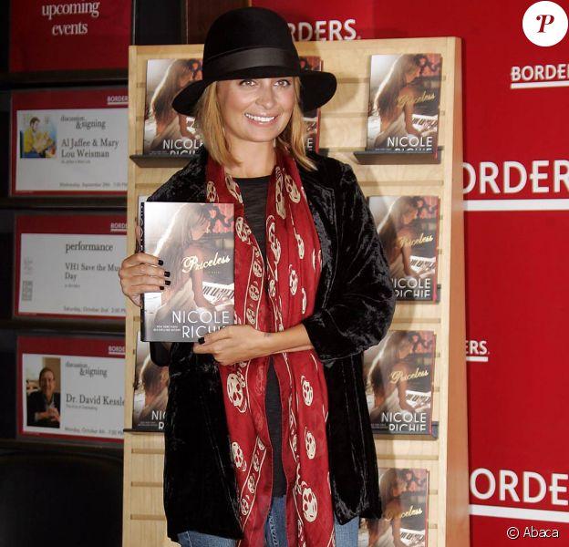 Nicole Richie lors de la promotion de son second livre Priceless chez Borders Books & Music à New York, le 28 septembre 2010