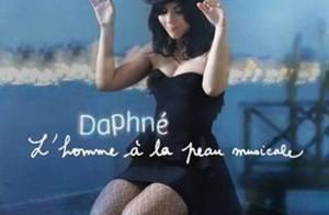 L'insoumise Daphné vous présente son homme