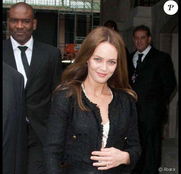 Vanessa Paradis se rendant au défilé Chanel