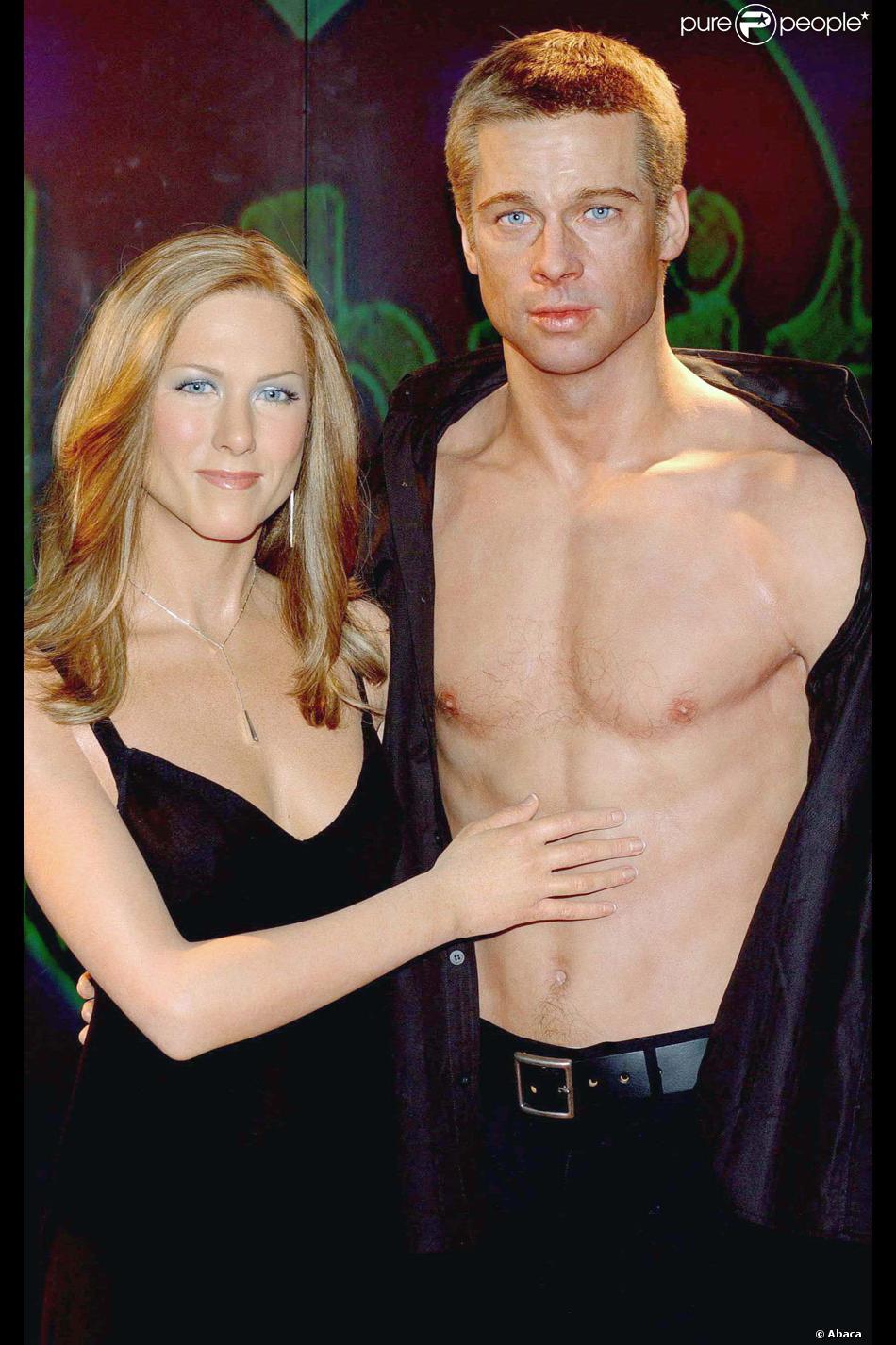 A l\u0027époque de son mariage avec Jennifer Aniston, Brad Pitt arborait  fièrement ses biceps au Madame Tussauds de Londres. Dommage que son visage  n\u0027ait pas été