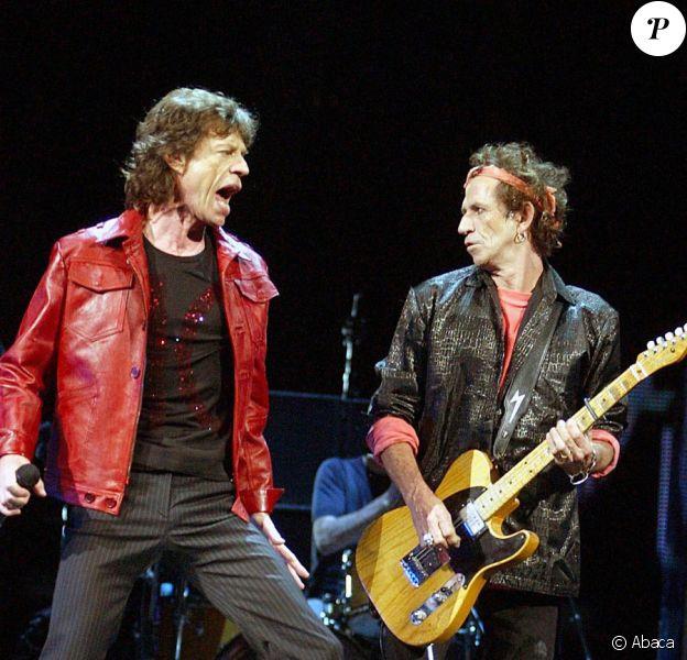 Keith Richards et Mick Jagger en concert à New York en 2002