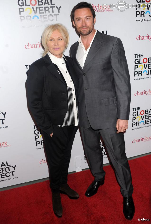 "Hugh Jackman et son épouse Deborra-Lee Furness lors du lancement du DVD ""1.4 Billion Reasons"" à New York le 20 octobre 2010"