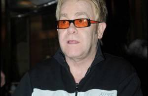 Elton John offre 2,5 millions de dollars à Hillary Clinton