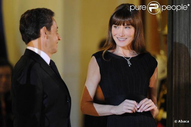 Carla Bruni et Nicolas Sarkozy lors du dîner d'Etat à l'Elysée le 4/11/2010 en l'honneur du président chinois.