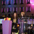 Olivia Ruiz illumine les vitrines du BHV, à Paris.  17/11/2010