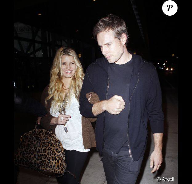 Jessica Simpson ferait des pieds et des mains pour se marier le plus vite possible avec son fiancé Eric Johnson.
