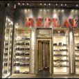 La soirée d'inauguration de la boutique Replay, à Paris, le 25 novembre 2010.