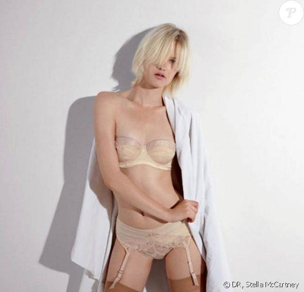 La ravissante Hannah Holman pour la collection printemps 2011 de la lingerie Stella McCartney.