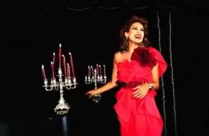 Eva Mendes : L'actrice au summum de sa beauté dans une vidéo tellement glamour !